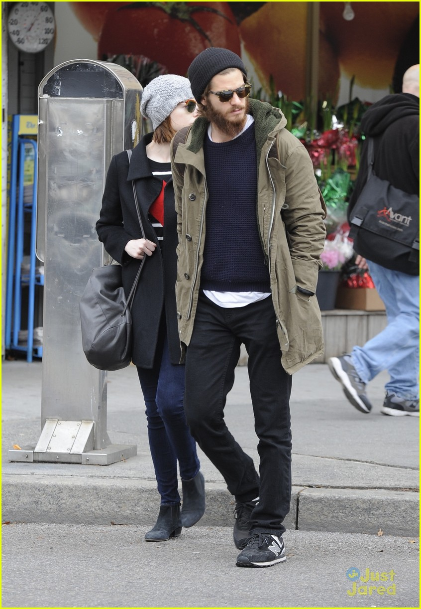emma stone andrew garfield get alone time 23