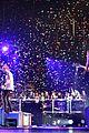 5sos shred stage jingle ball concert pics 14