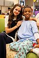 bailee madison christmas surprise hospital patients 02