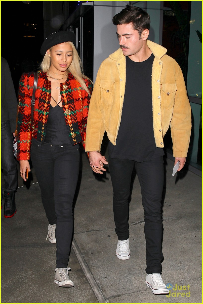zac efron sami miro hold hands at lakers game date 01