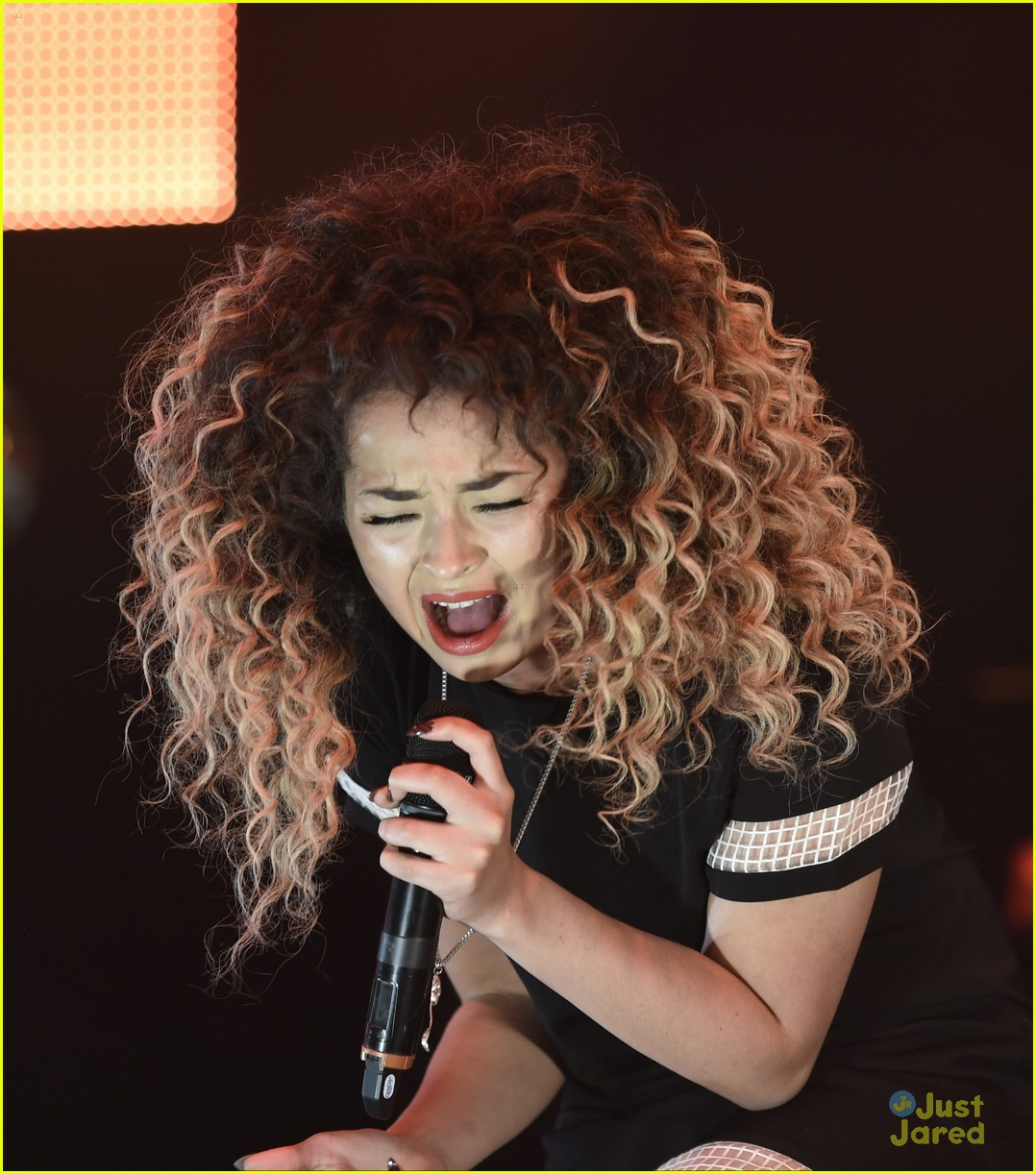 ella eyre olly murs up duet live lounge 03