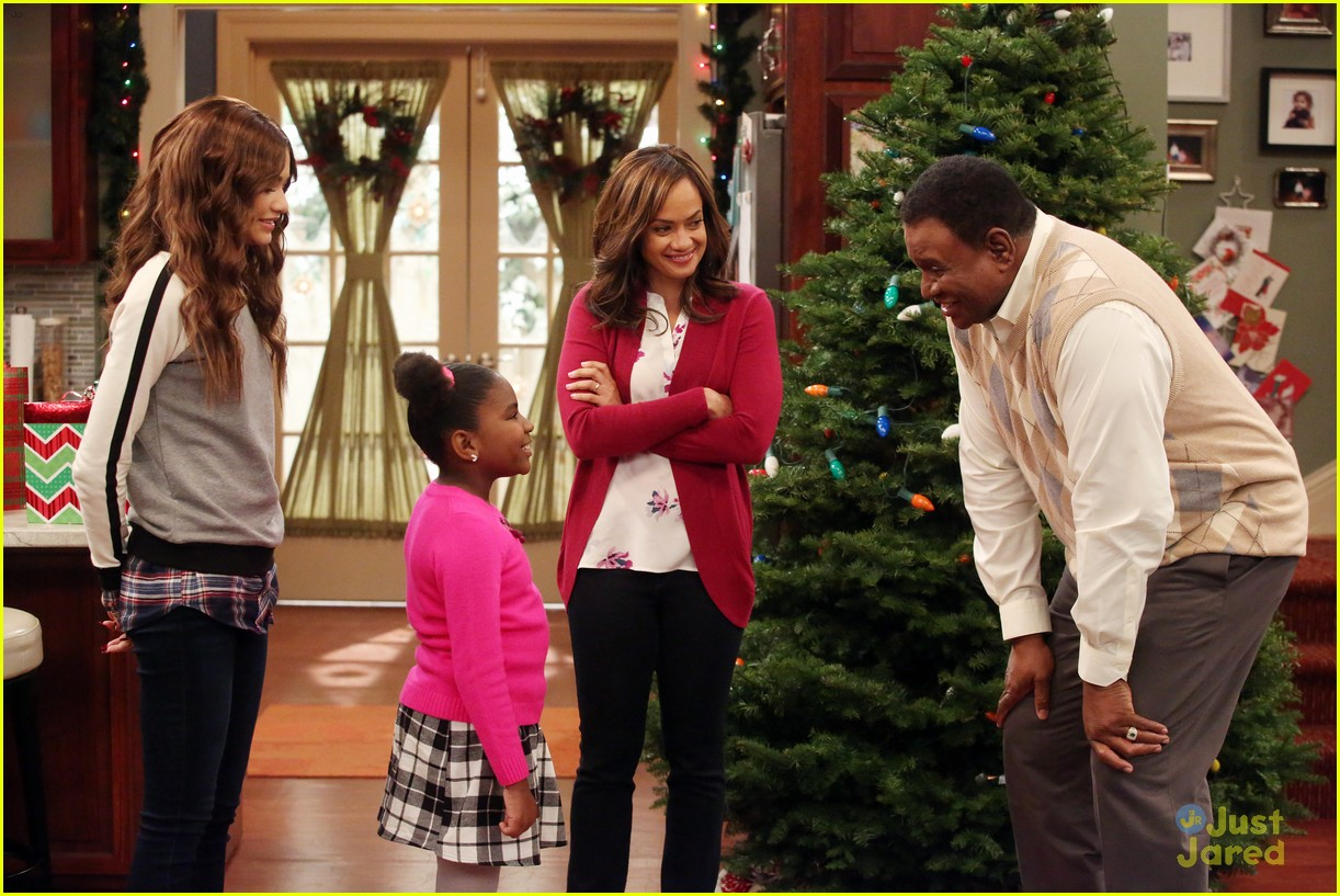 K.C. Undercover Christmas Episode - Exclusive Photo & Cast Quotes ...