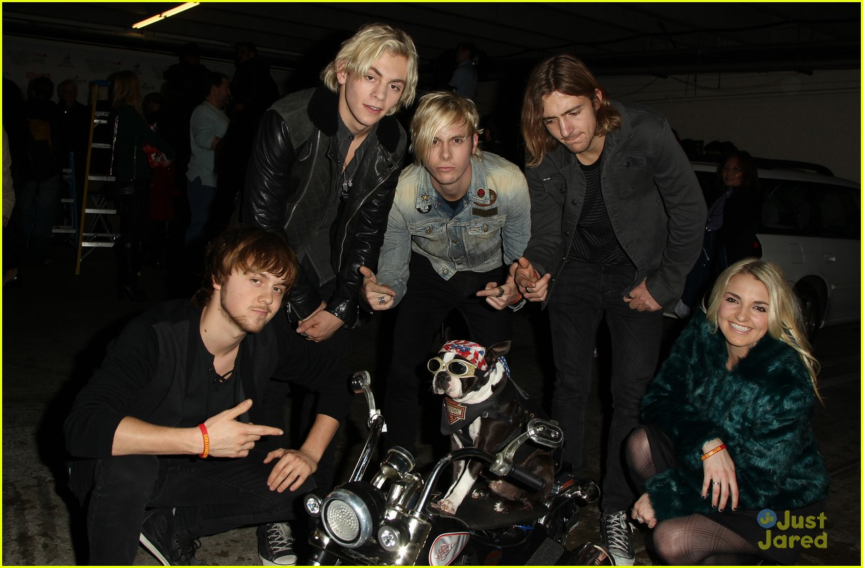ross lynch fangirl over prince 02
