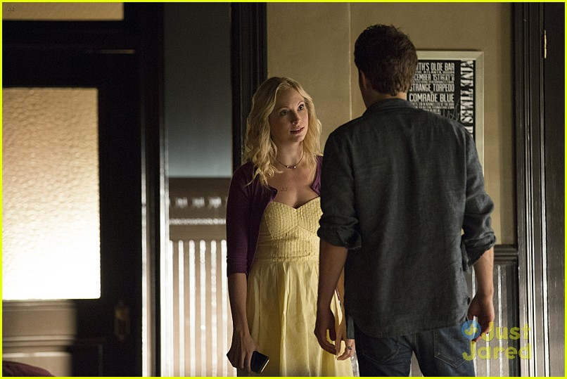 vampire hookup Updated- love triangles, sexy bodies, blood, mysteries, the vampire diaries season 2 hype see vampire diaries season 2 pictures, spoilers, rumors, photos.