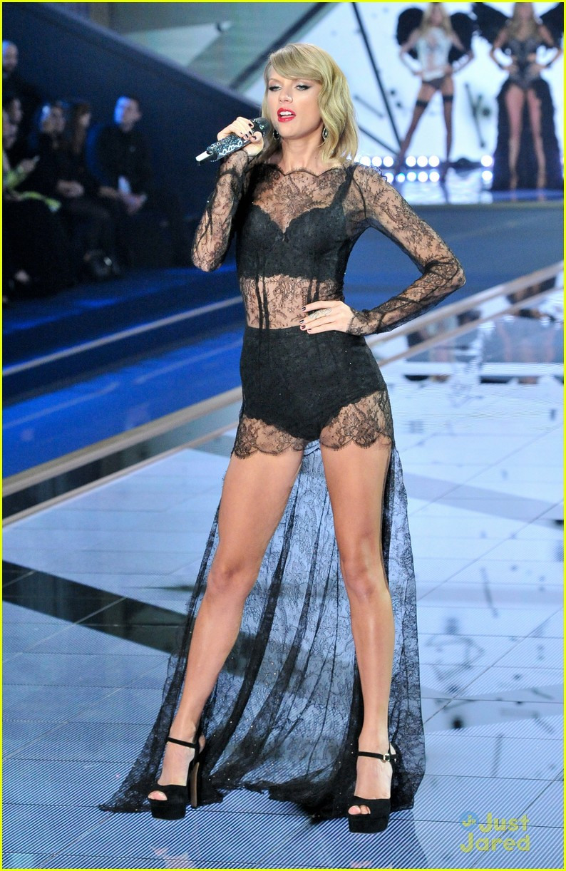 cb639d480c30 Taylor Swift Rocks Two Sexy Outfits During Victoria s Secret Fashion ...