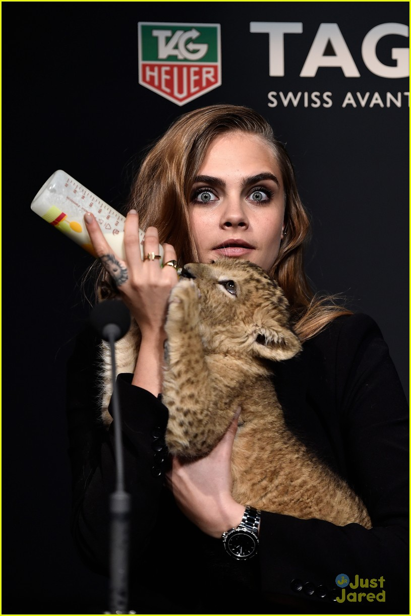 Cara Delevingne Loves Being Alone Now Photo 766418 Photo Gallery