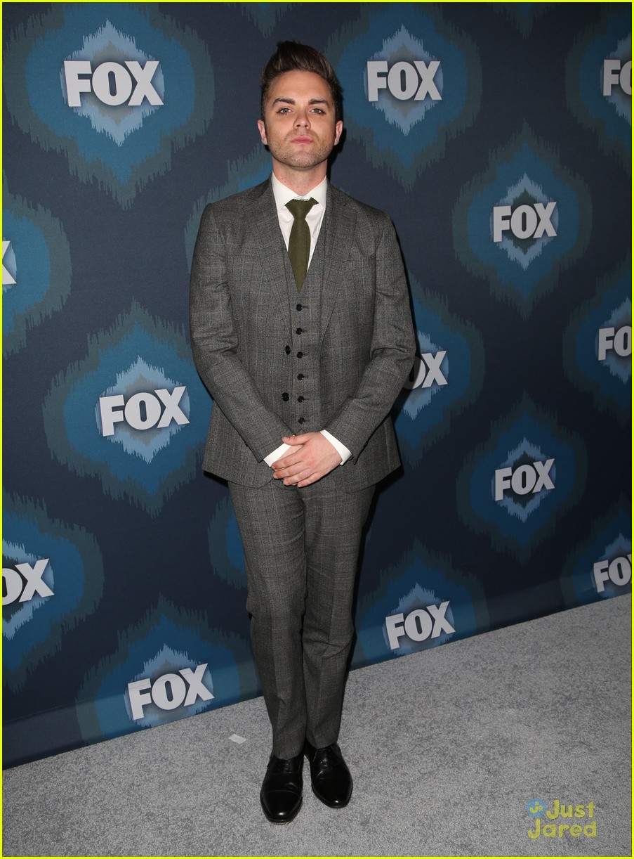 thomas dekker backstrom fox tca party 01