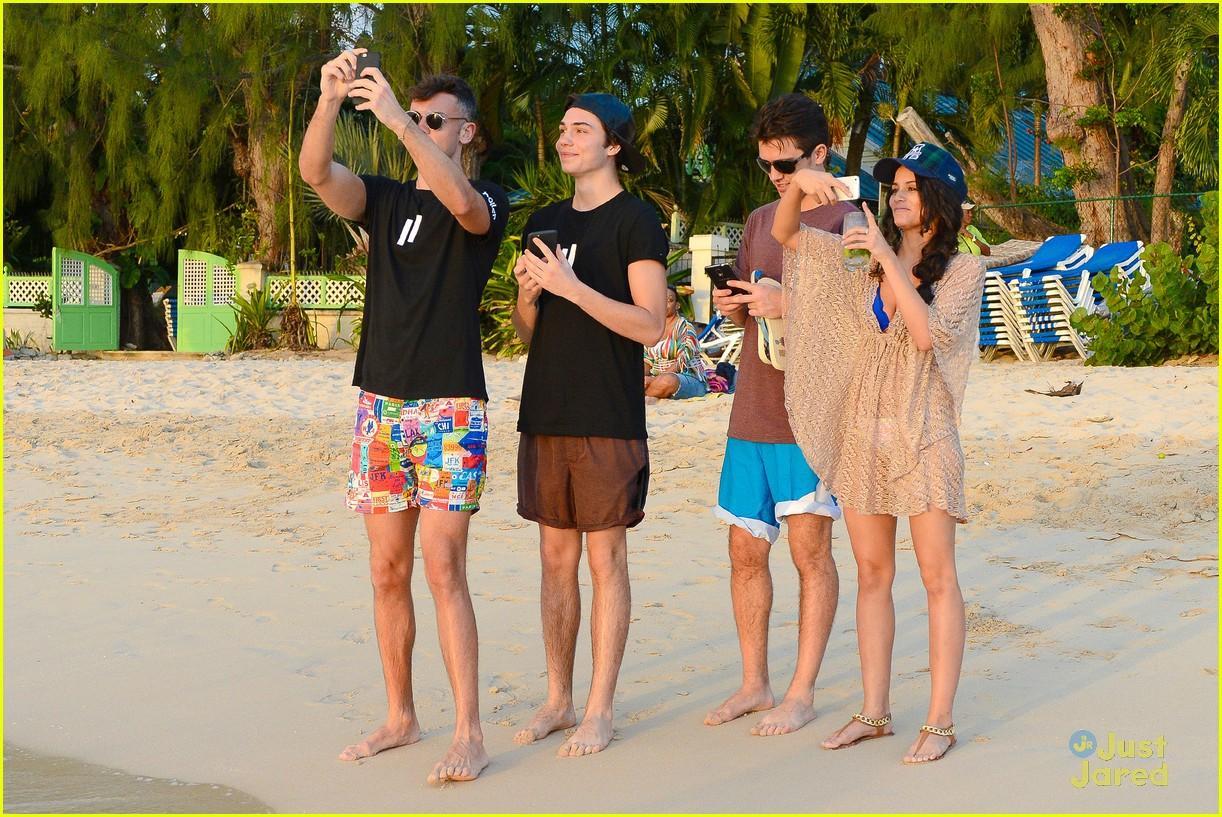 george shelley caterina lopez beach selfies barbados 04