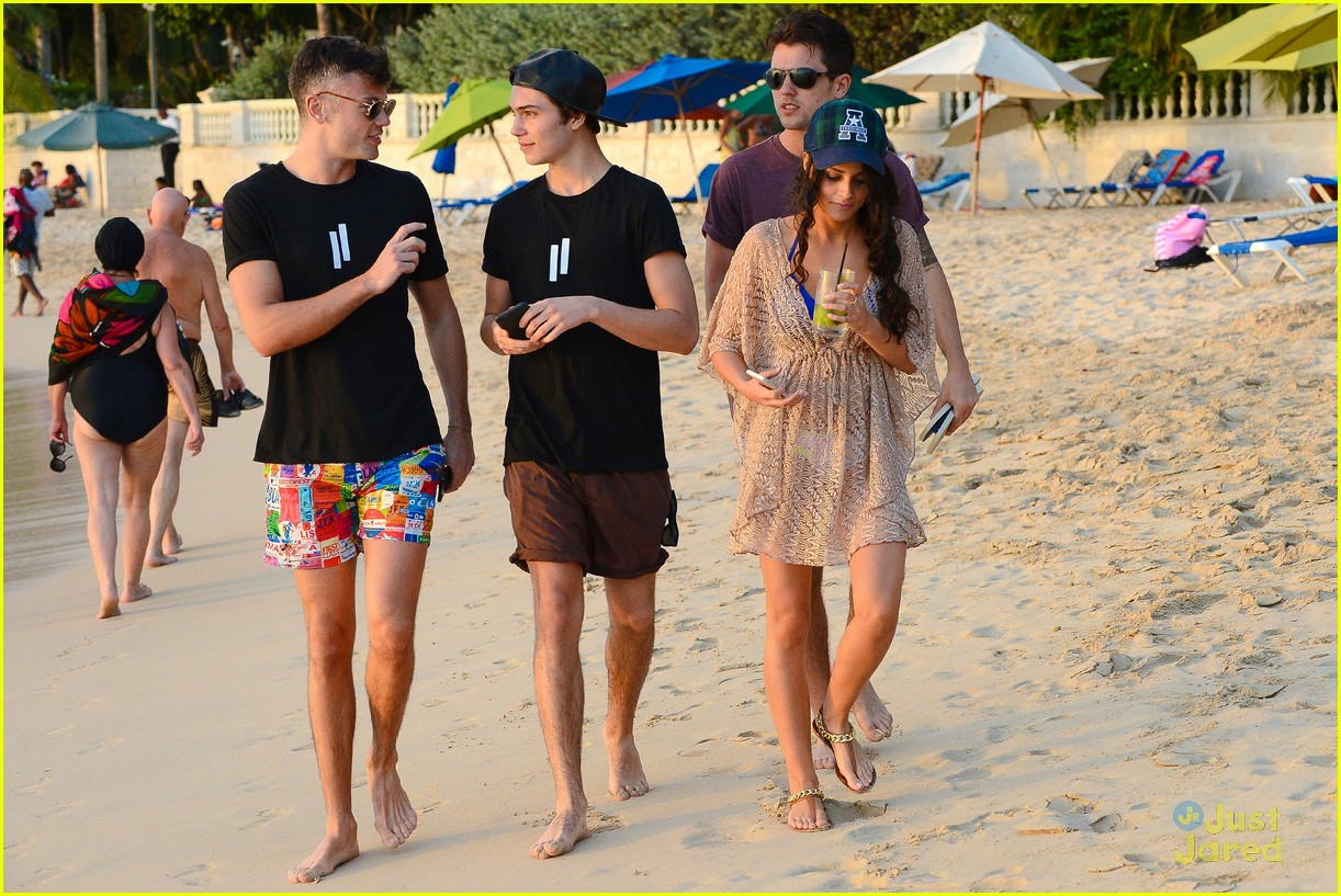 george shelley caterina lopez beach selfies barbados 09