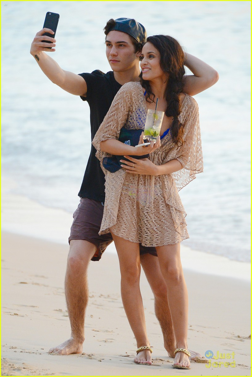 george shelley caterina lopez beach selfies barbados 12