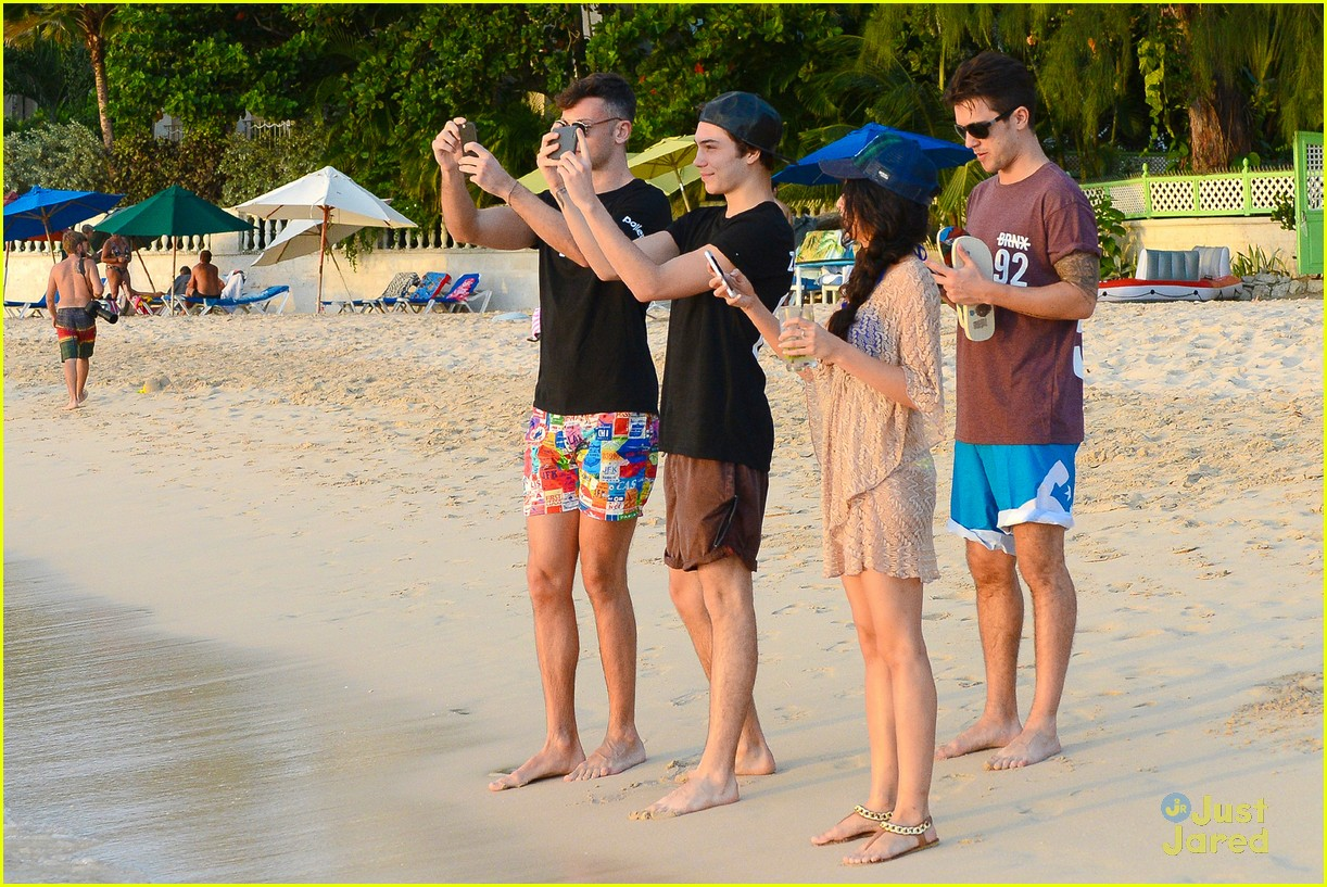 george shelley caterina lopez beach selfies barbados 13