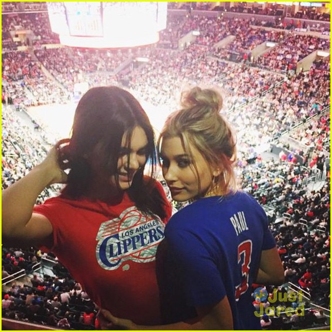 hailey baldwin clippers game kendall 02