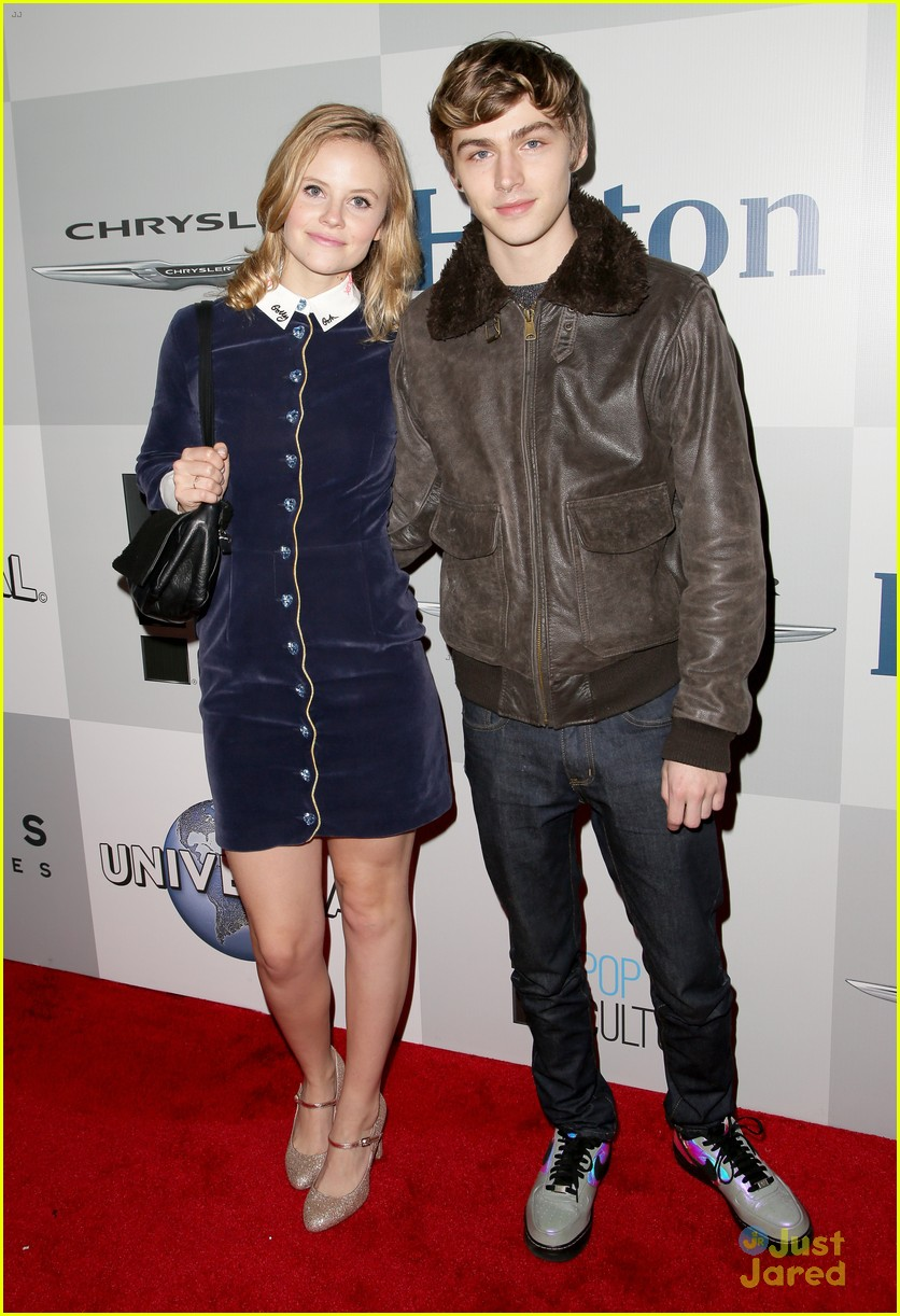 miles heizer sarah ramos nbc party golden globes 08