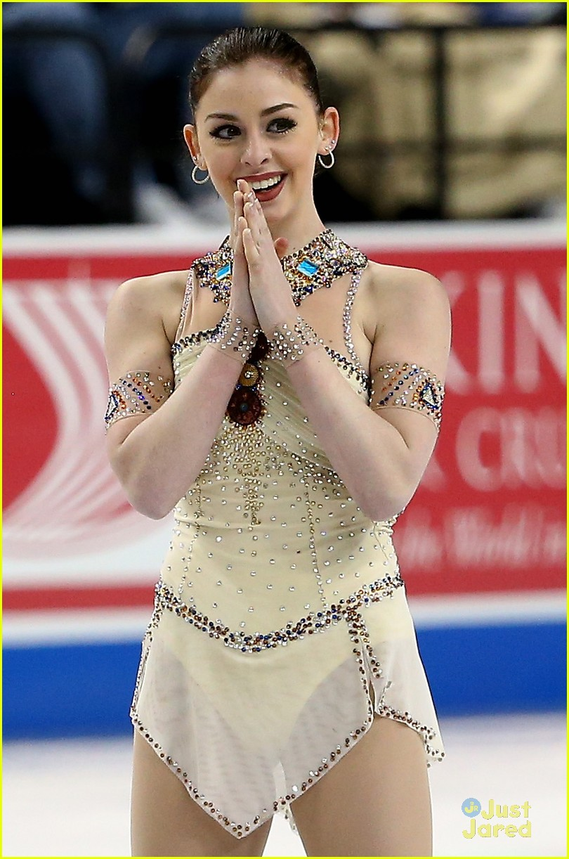 alexa chris kiss after stunning free skate nationals 01