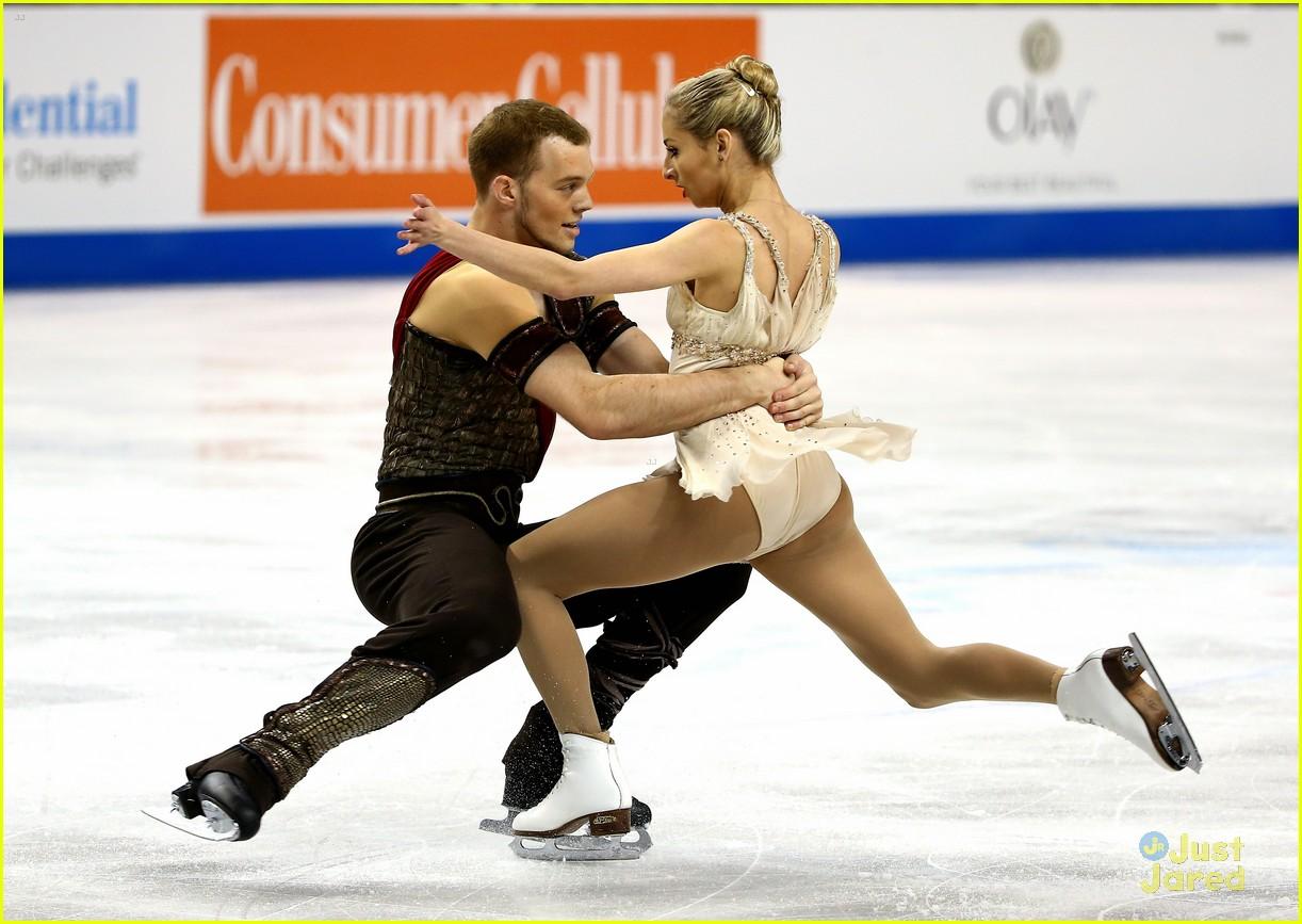 alexa chris kiss after stunning free skate nationals 03