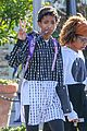 willow smith flashes a peace sign 02