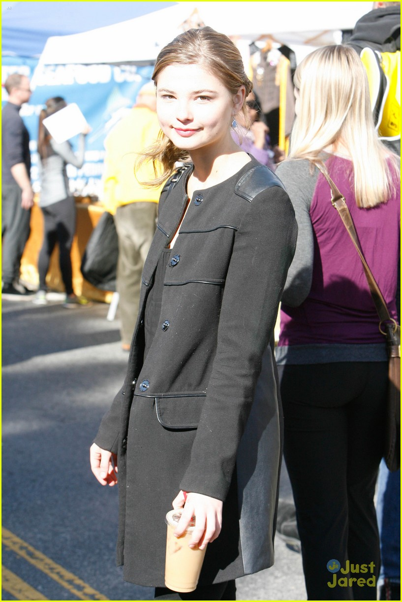 stefanie scott market sunday caught details 07