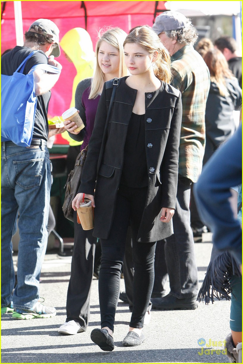 stefanie scott market sunday caught details 10