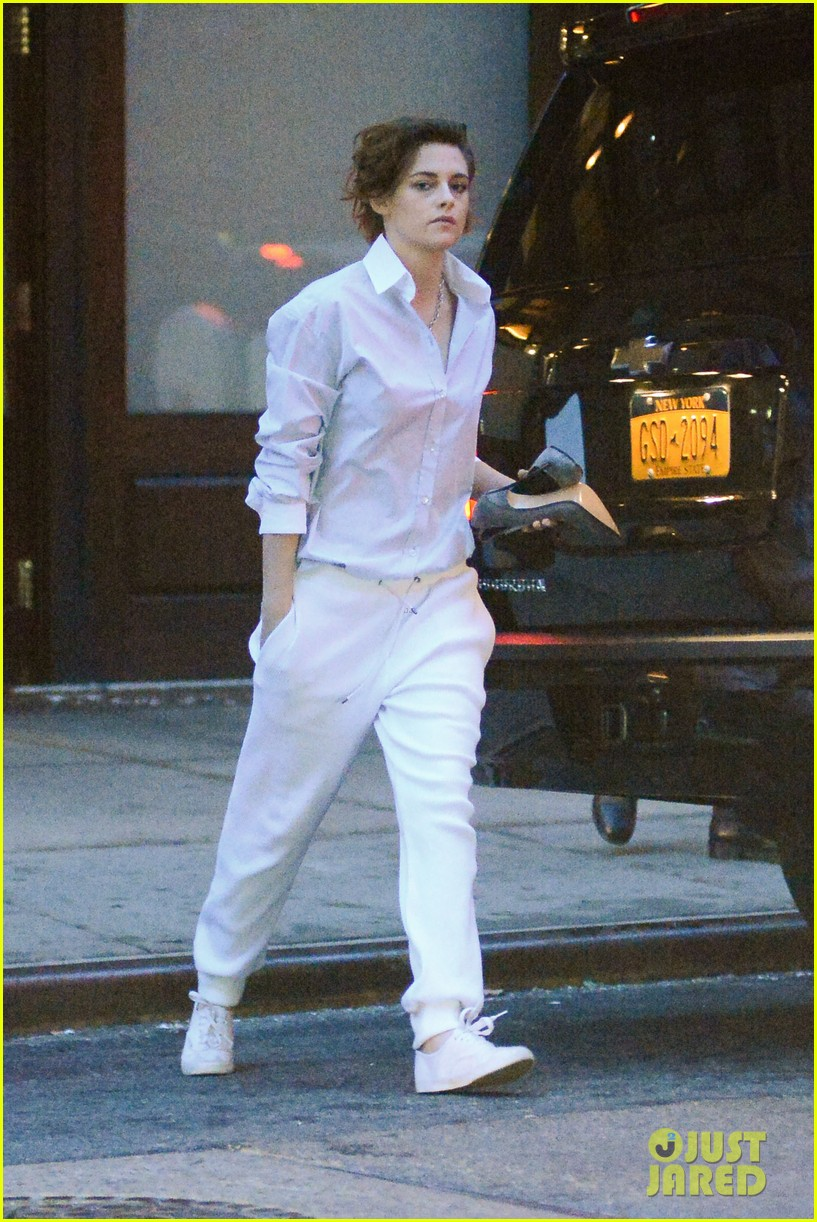 Kristen Stewart You Can Goof Around On Movie Sets Because We Re Not Curing Cancer Photo