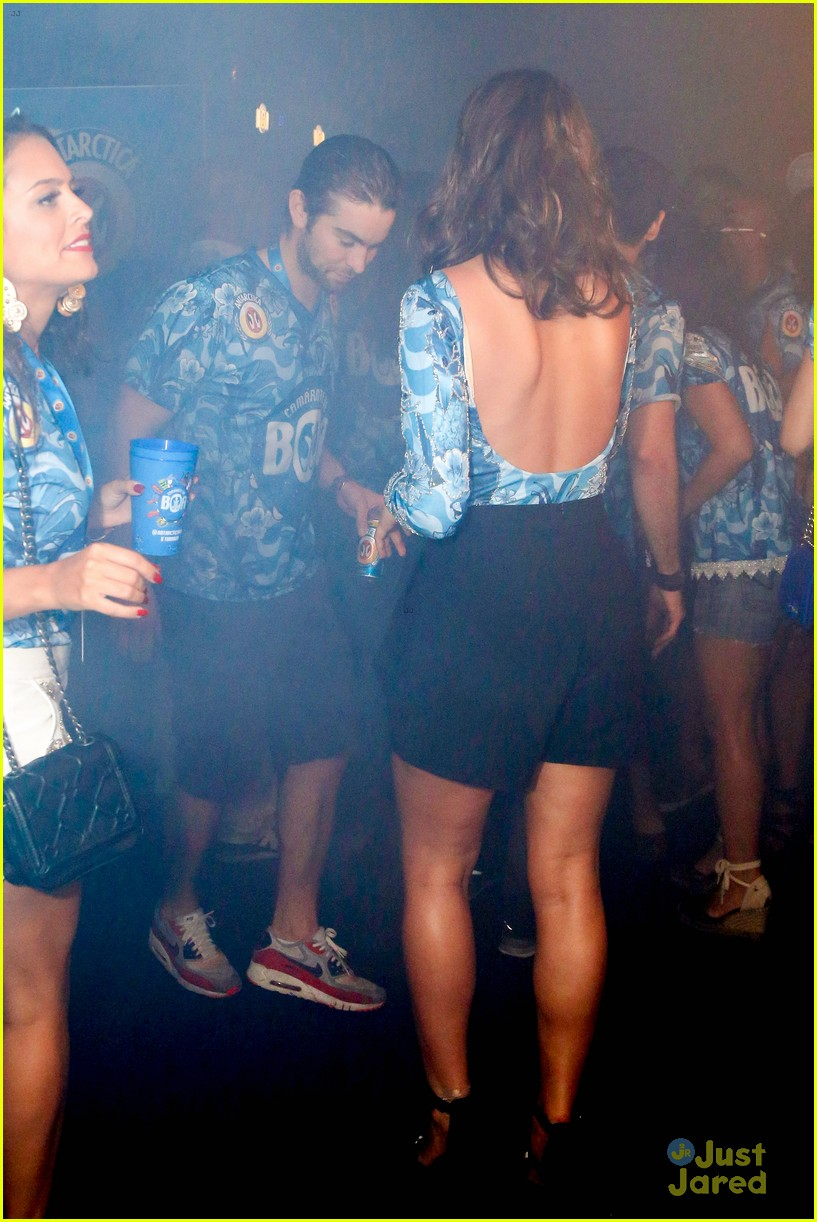 chace crawford makes out with a brazilian singer in rio 23