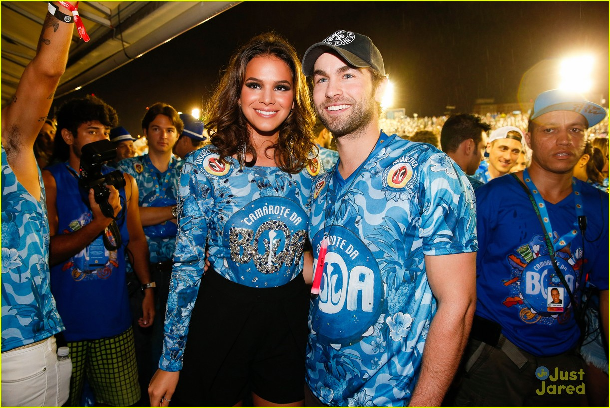 chace crawford makes out with a brazilian singer in rio 26