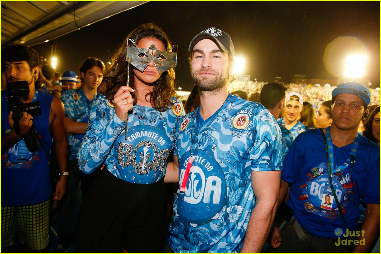 chace crawford makes out with a brazilian singer in rio 30