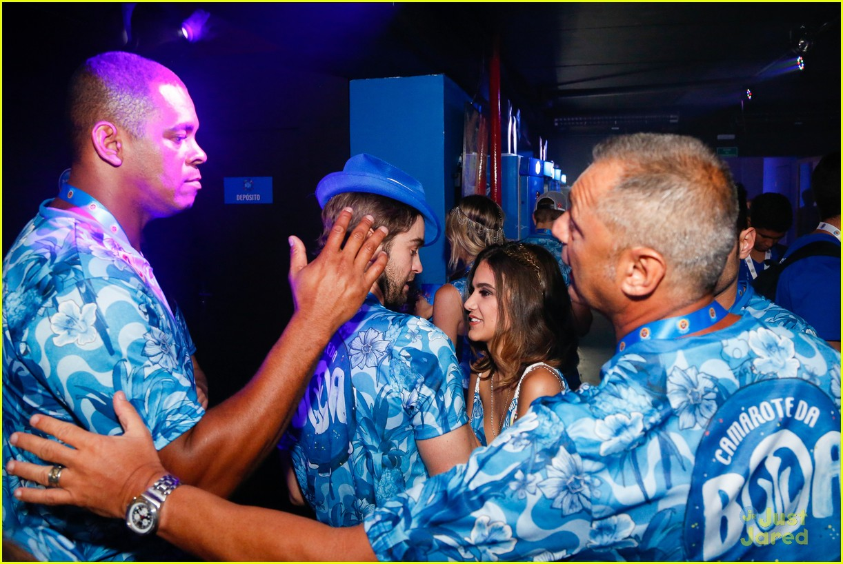 chace crawford makes out with a brazilian singer in rio 40