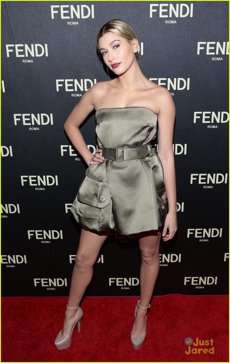 hailee steinfeld hailey baldwin fendi fashion week event 10