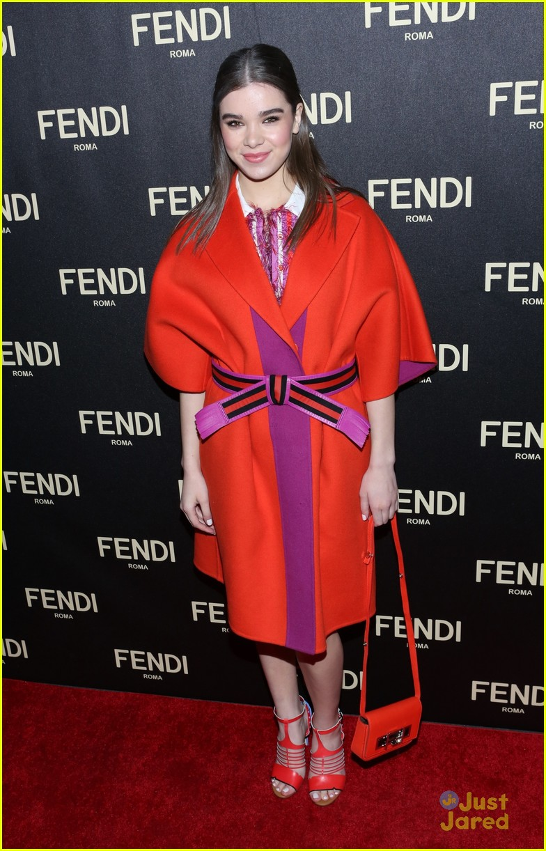 hailee steinfeld hailey baldwin fendi fashion week event 14