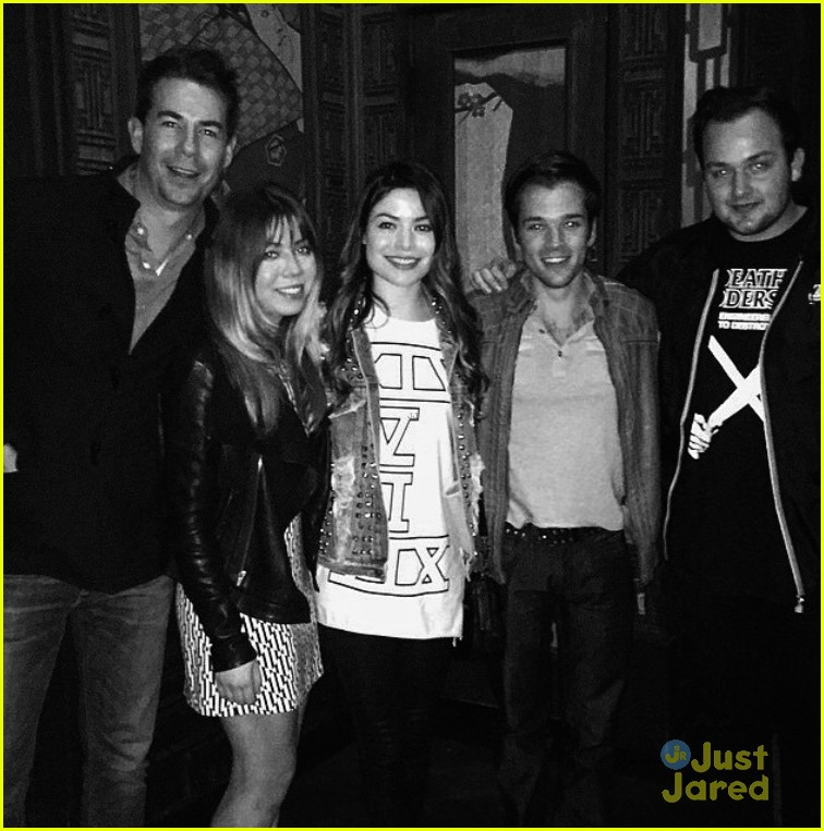 miranda cosgrove jennette mccurdy icarly reunion 01