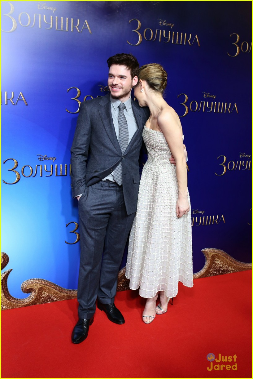 Richard Madden Amp Lily James Get Silly At Cinderella