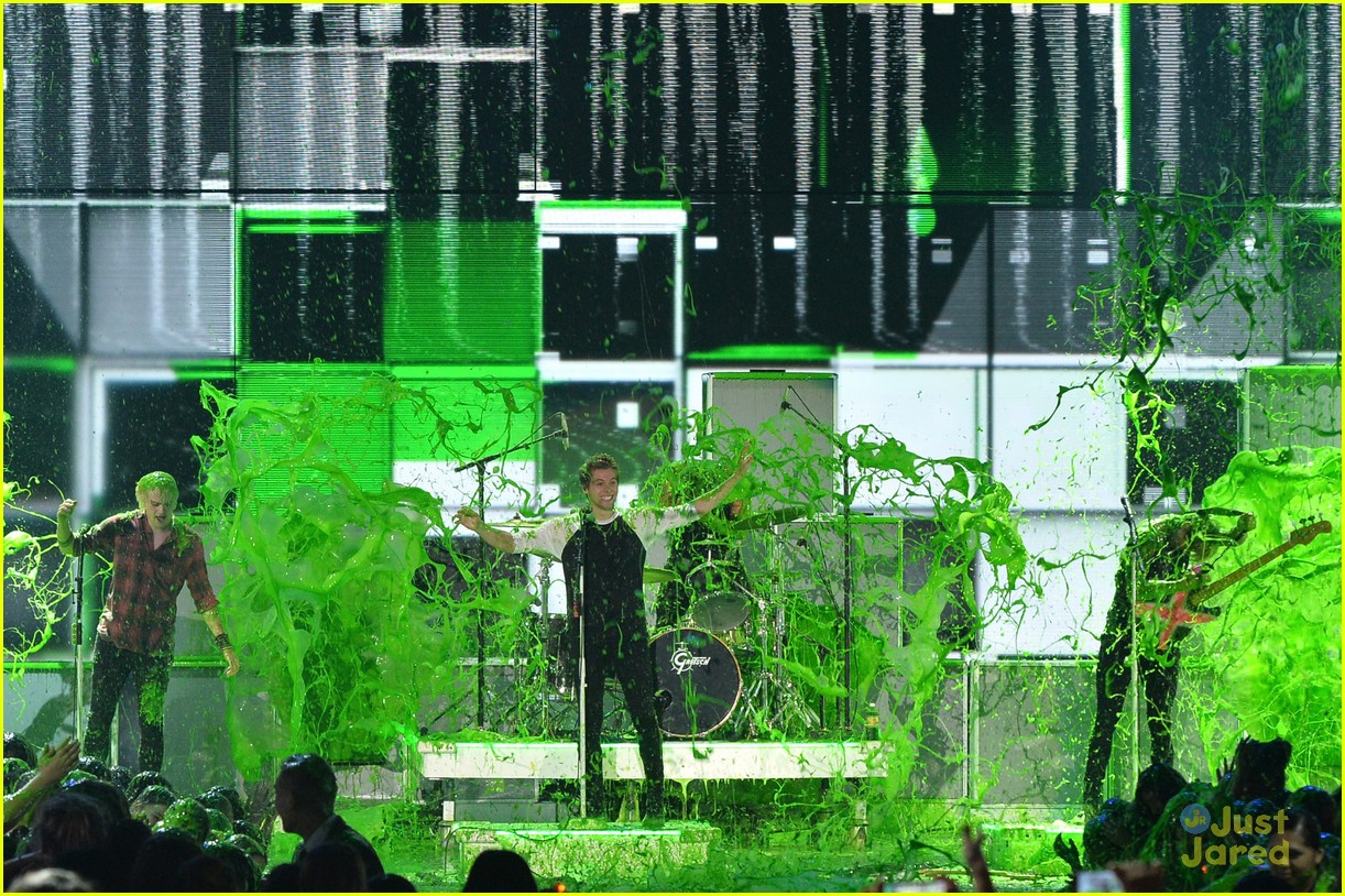 5 seconds of summer kcas performance video 05