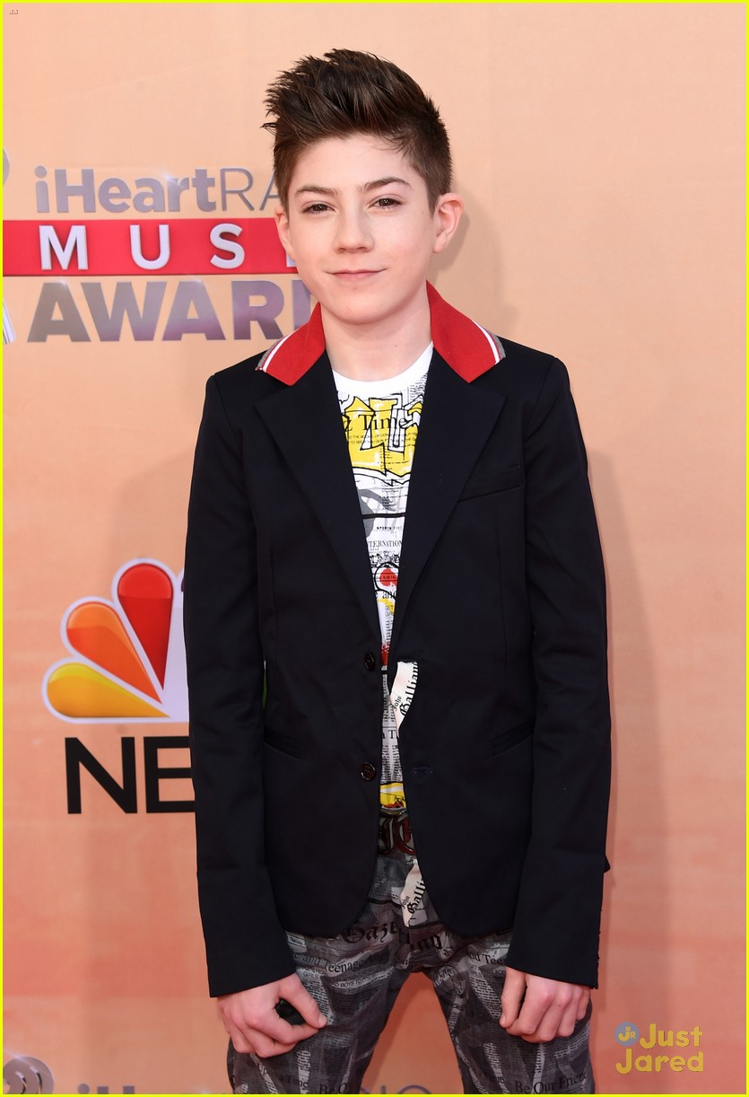 benjamin stockham mason cook iheartradio awards 05