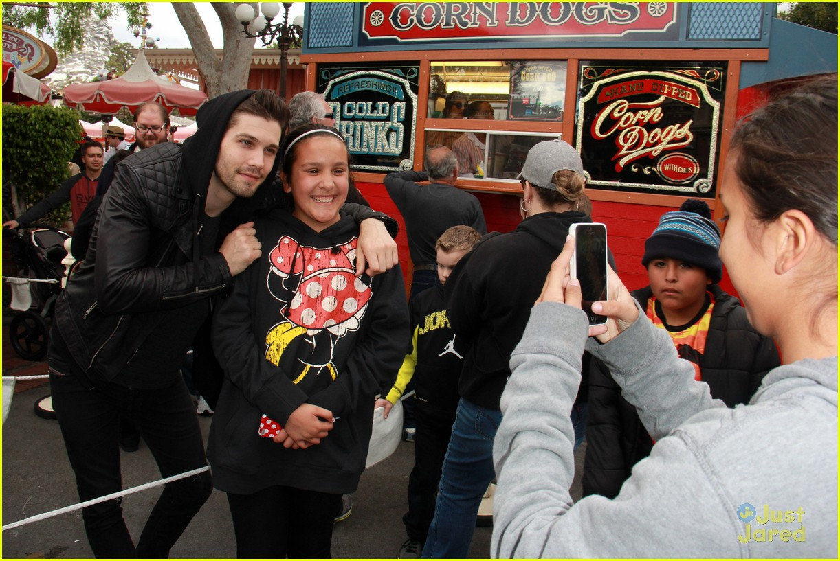 eye candy cast disneyland 19