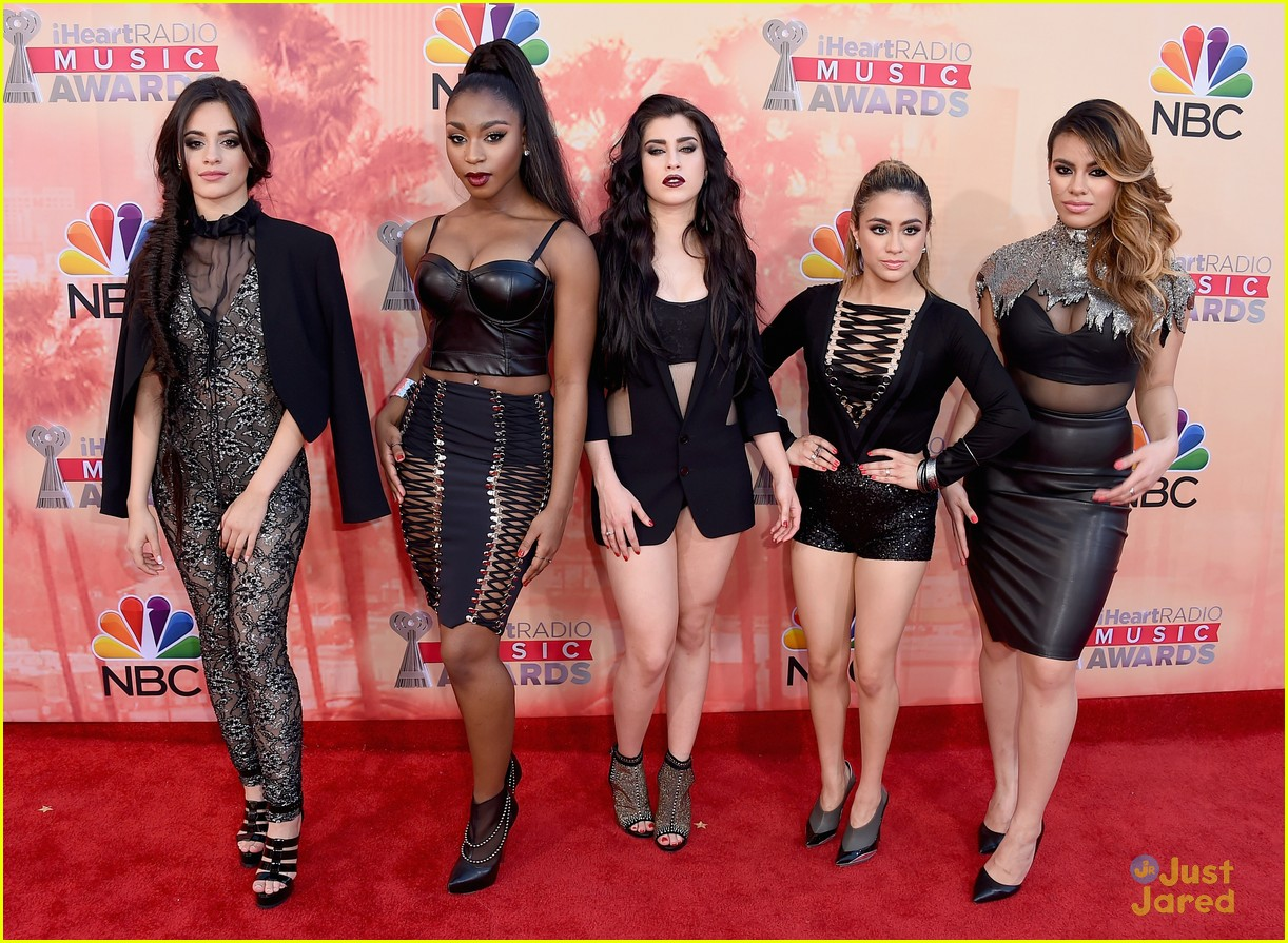 fifth harmony 5 seconds of summer iheartradio music awards 2015 01