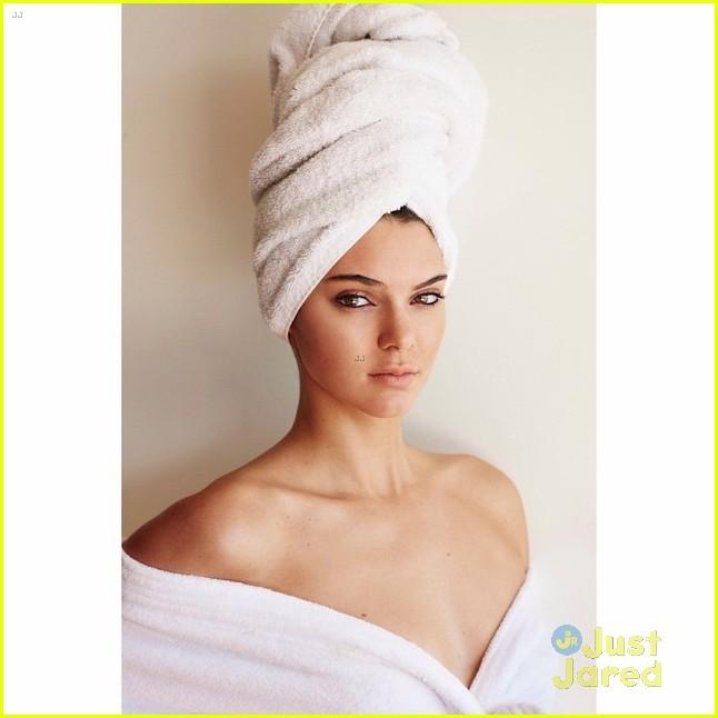 gigi hadid cody simpson go nude for towel series 02