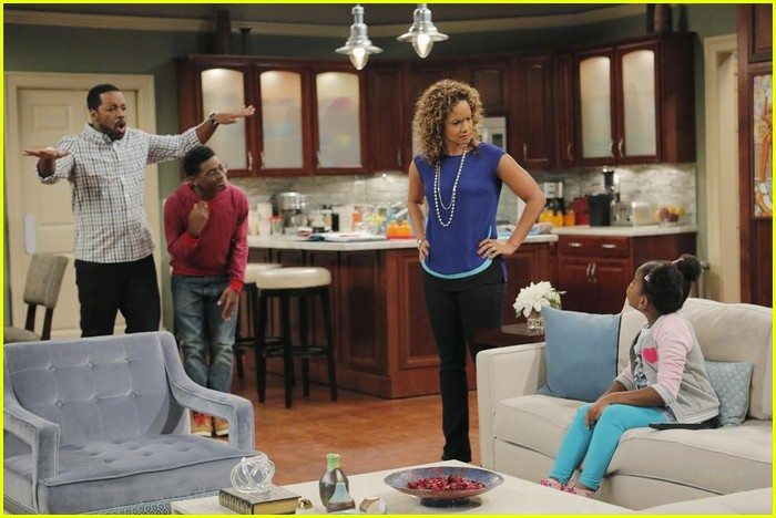 Will Marisa Find Out About K.C.\'s Spy Life on \'K.C. Undercover ...