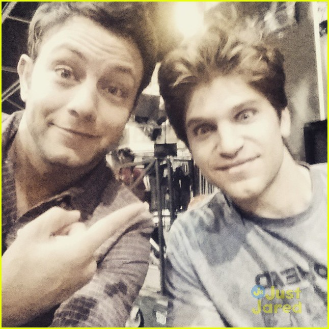 Keegan allen to guest star on young hungry photo 789114 keegan allen young hungry guest star 02 m4hsunfo