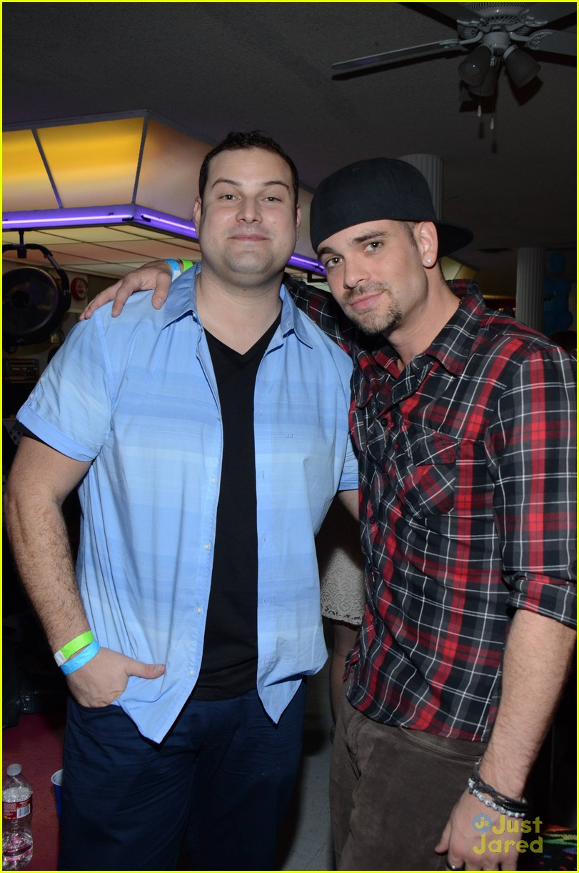 mark salling max adler glee throwback party 08