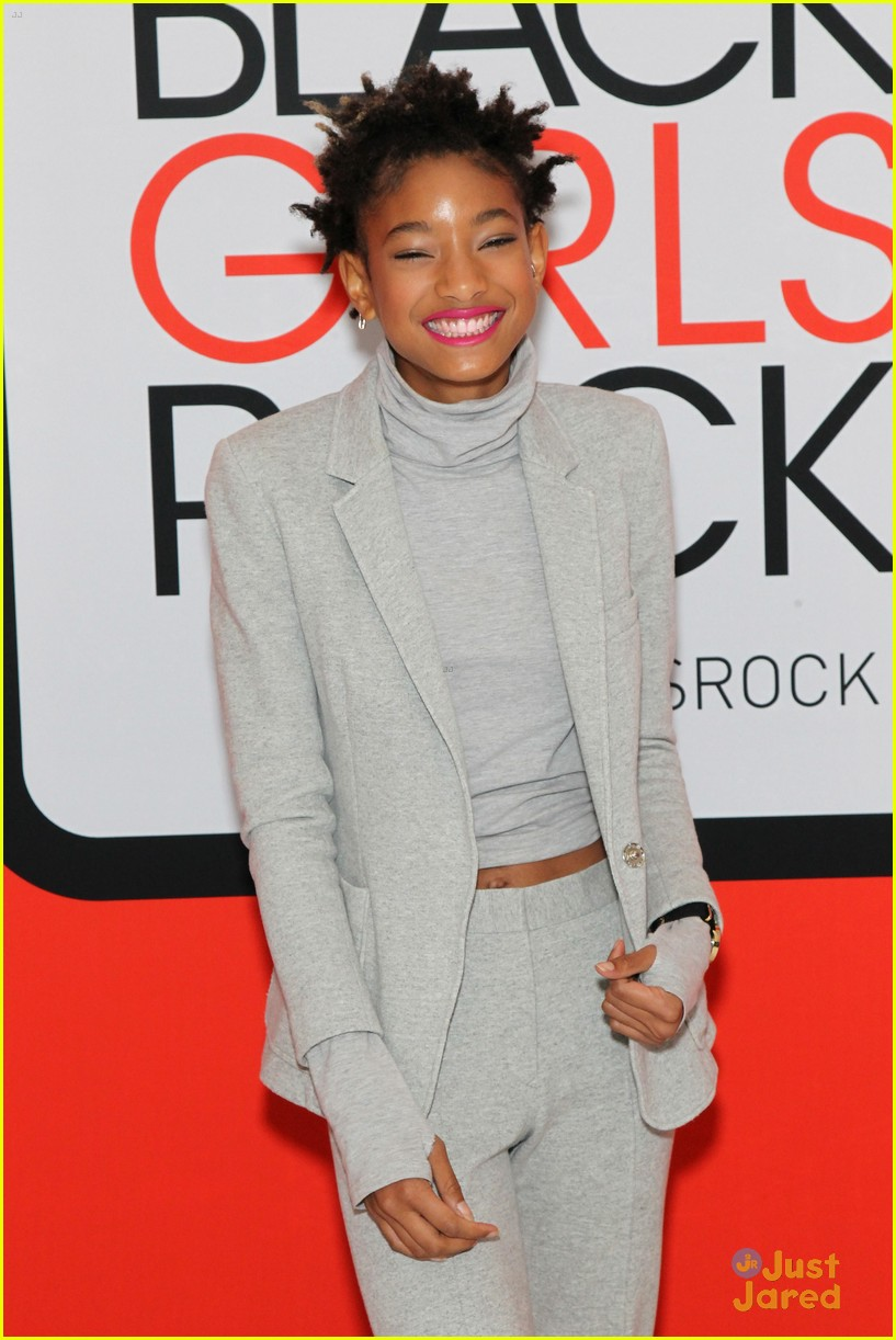 jada pinkett smith gets familys support at black girls rock 08
