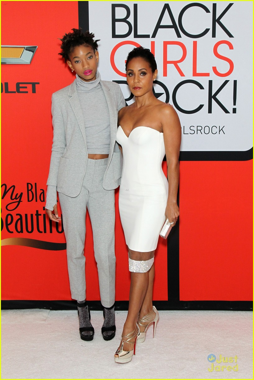 jada pinkett smith gets familys support at black girls rock 11