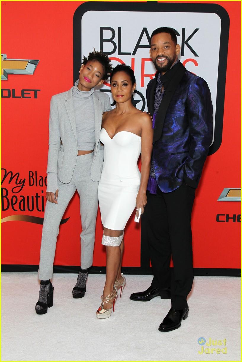 jada pinkett smith gets familys support at black girls rock 13