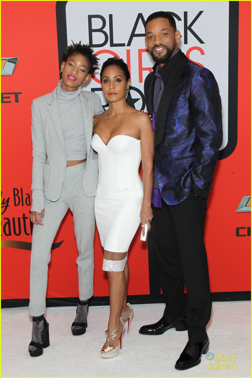 jada pinkett smith gets familys support at black girls rock 14