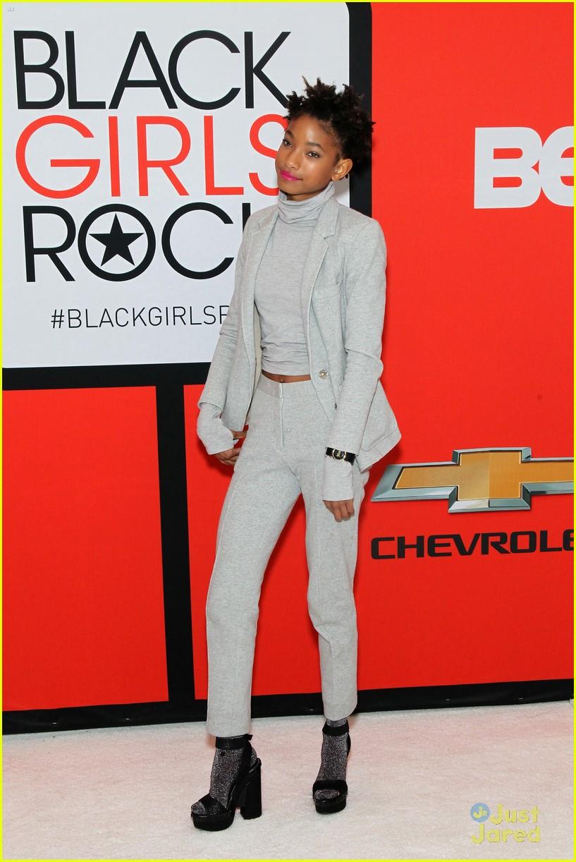 jada pinkett smith gets familys support at black girls rock 15