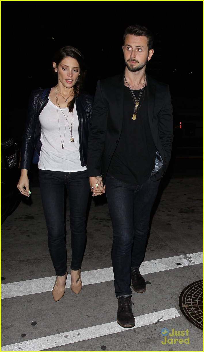 ashley greene kellan lutz reunite for fun night on the town 16