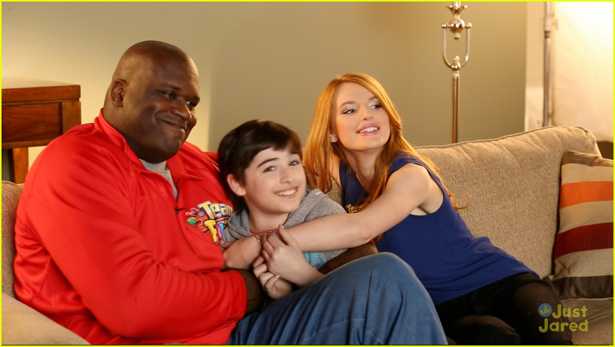 Bella Thorne   Shaquille O Neil Exchange Fighting Words For Team ... a24a504b1d