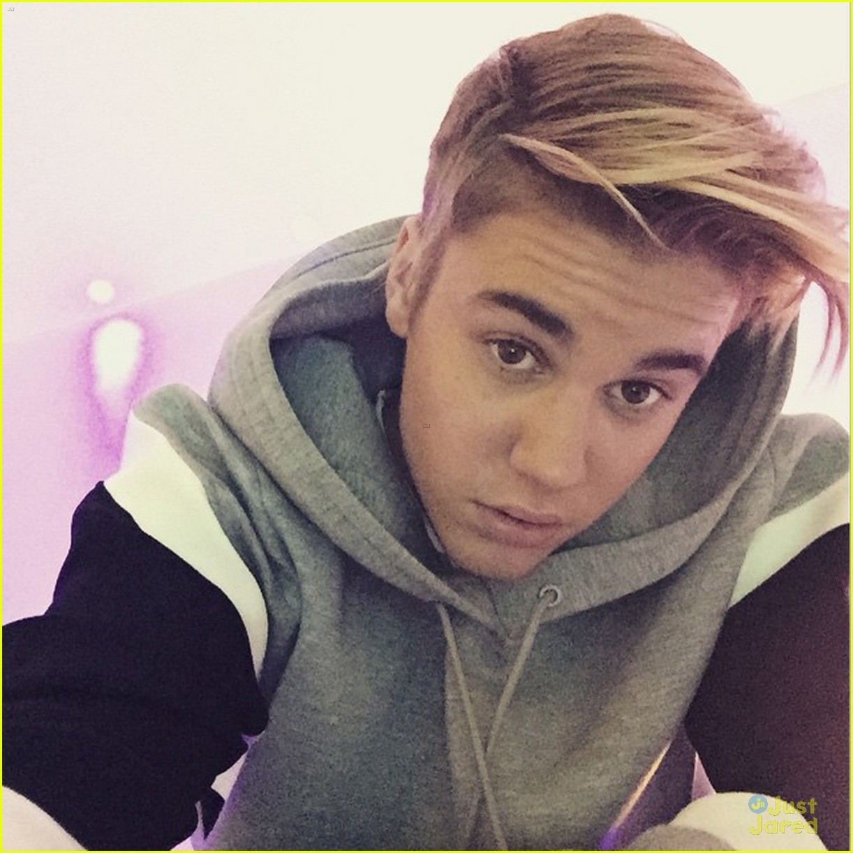 Justin Bieber Flaunts His New Hair Style On Instagram Photo
