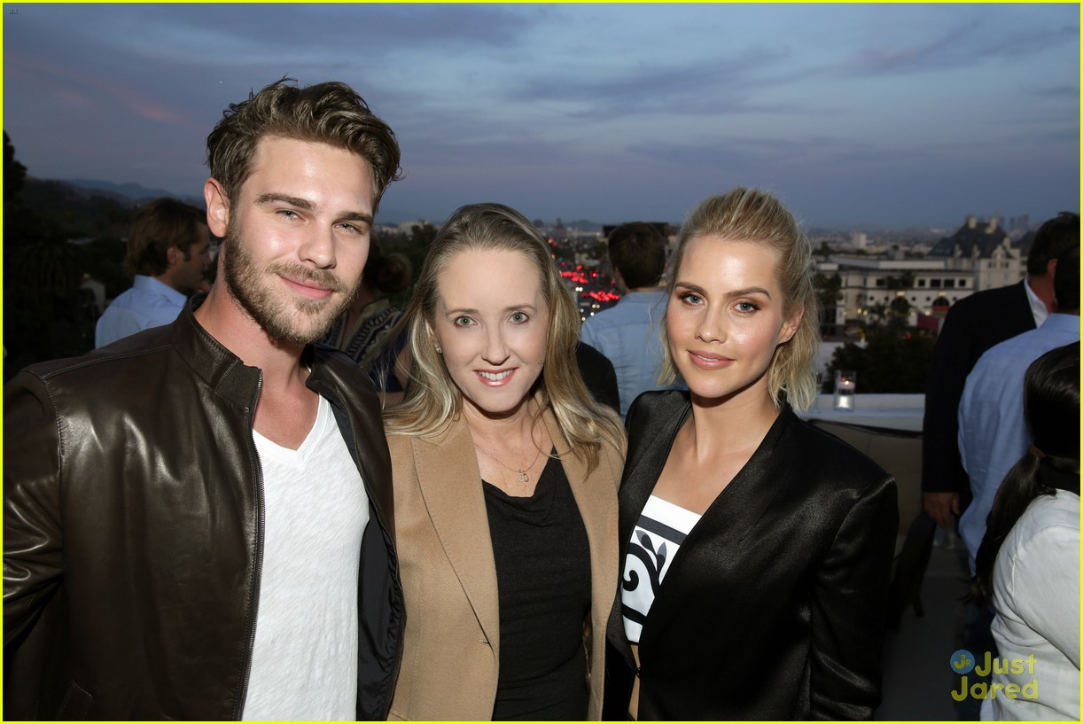 claire holt grey damon draw attention to aquarius 02