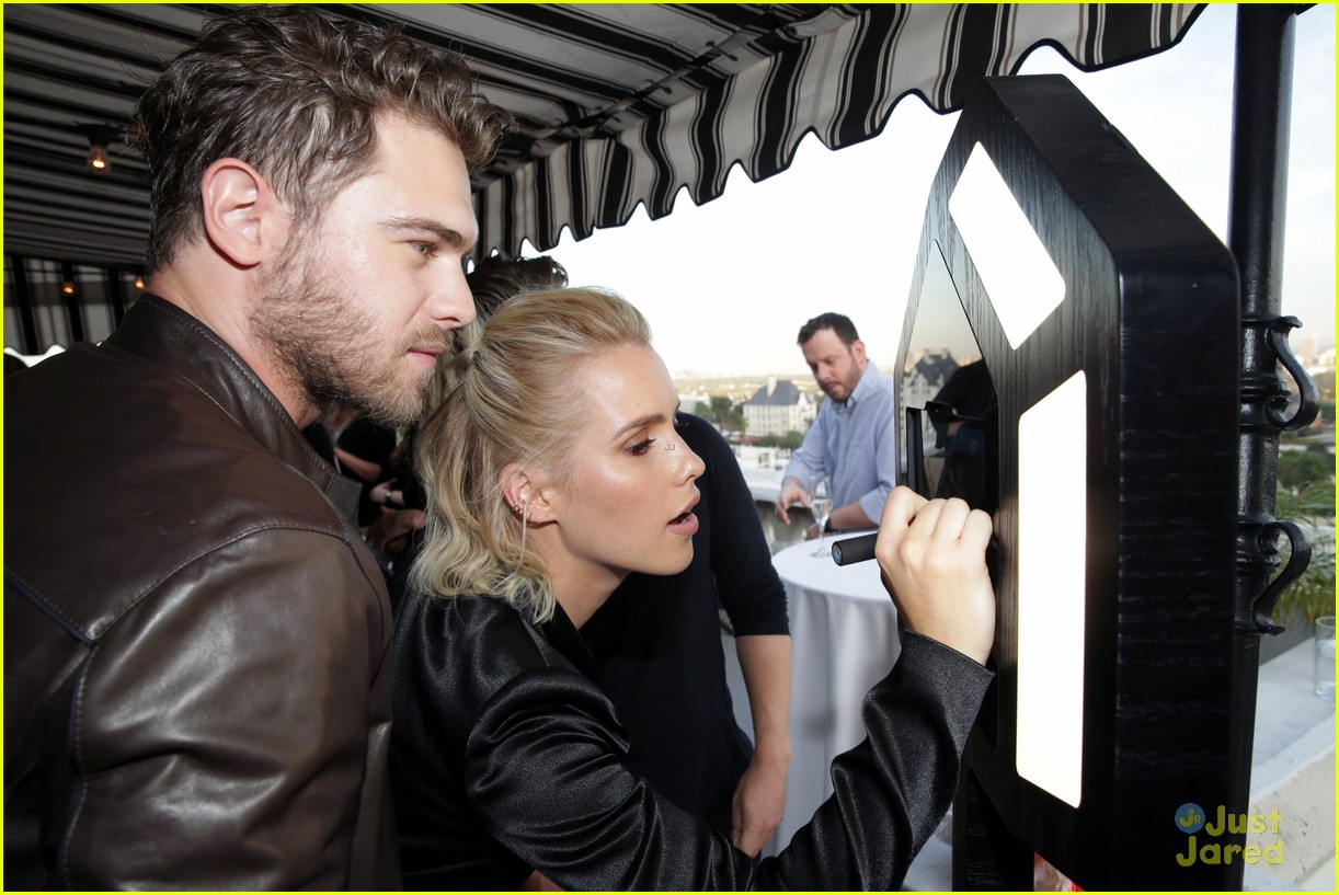 claire holt grey damon draw attention to aquarius 08