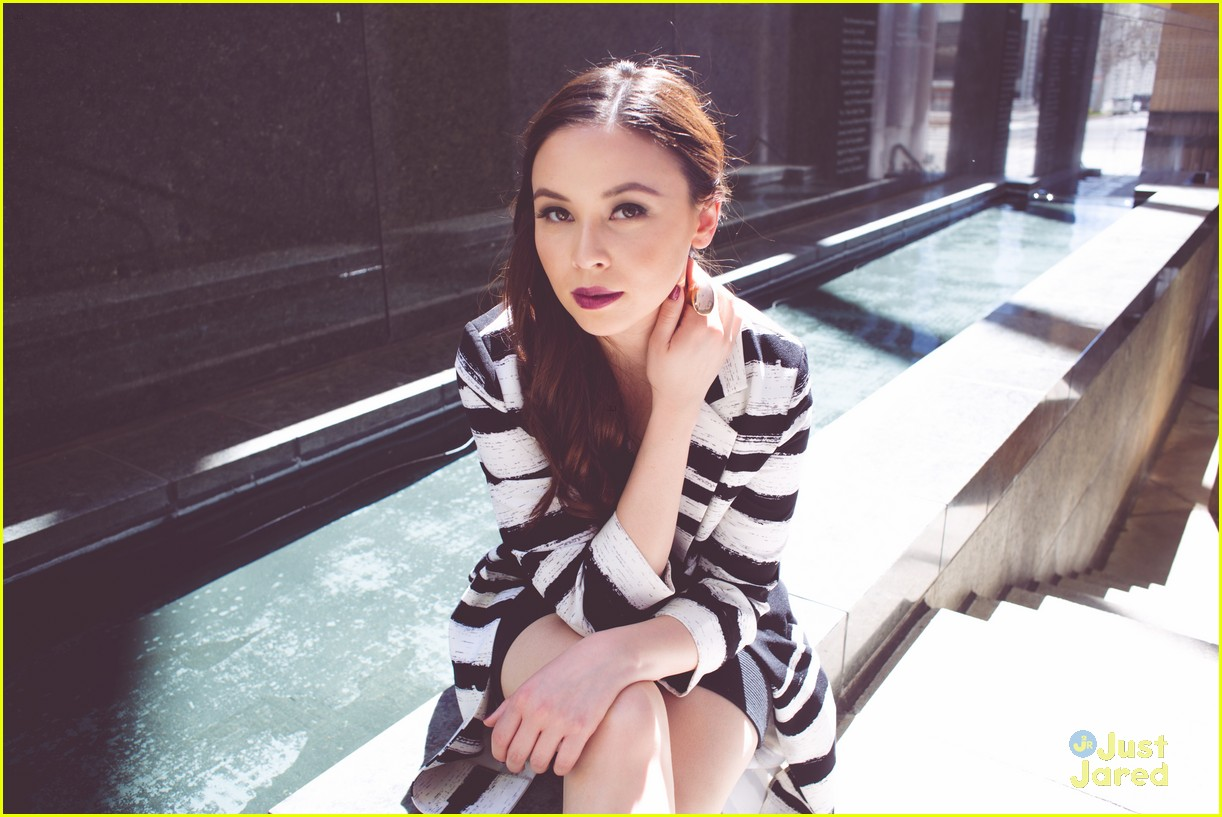 malese jow nkd mag april 01